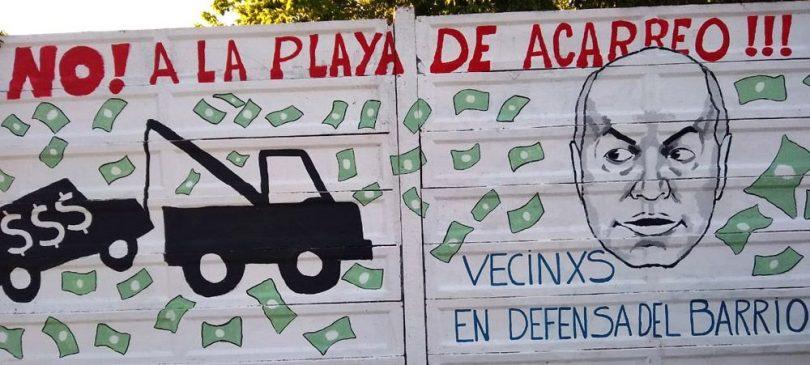 Mural no a la playa de acarreo en Villa Pueyrredón