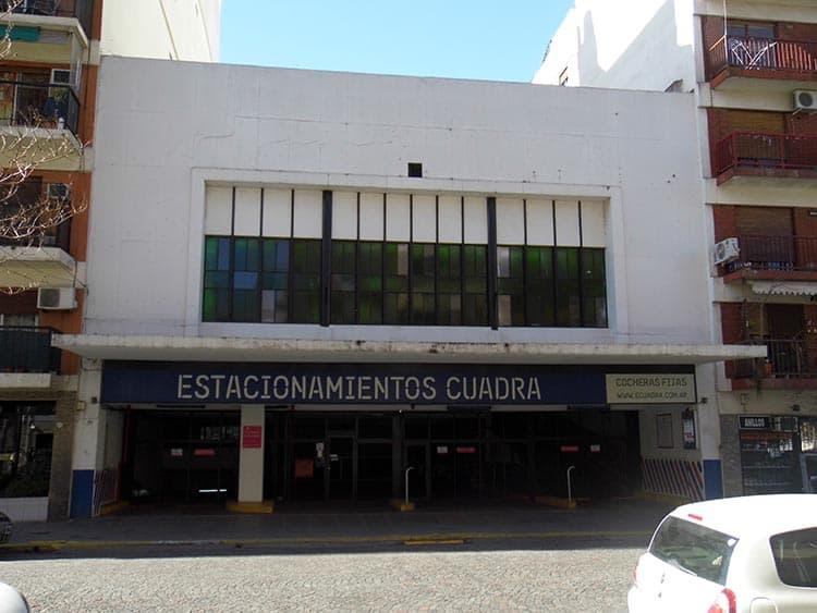 Ex Cine 9 de Julio, hoy un garage