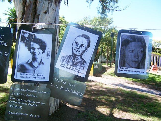 Muestra desaparecidos Plaza Nunca Más