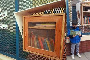 Biblioteca al paso Villa Urquiza