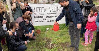 Leandro Santoro en la Huerta Vecinal